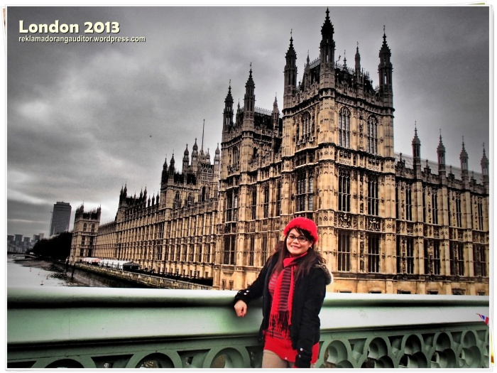 Houses of Parliament at my back..  --click on image for a full view.. :)
